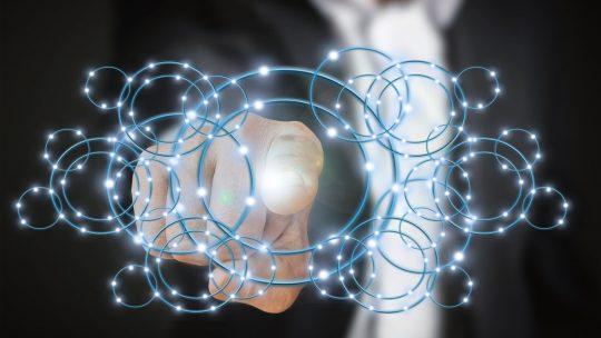 Un expert en data intelligence pour construire une veille commerciale